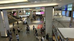 上から眺めた阪急梅田駅の広場
